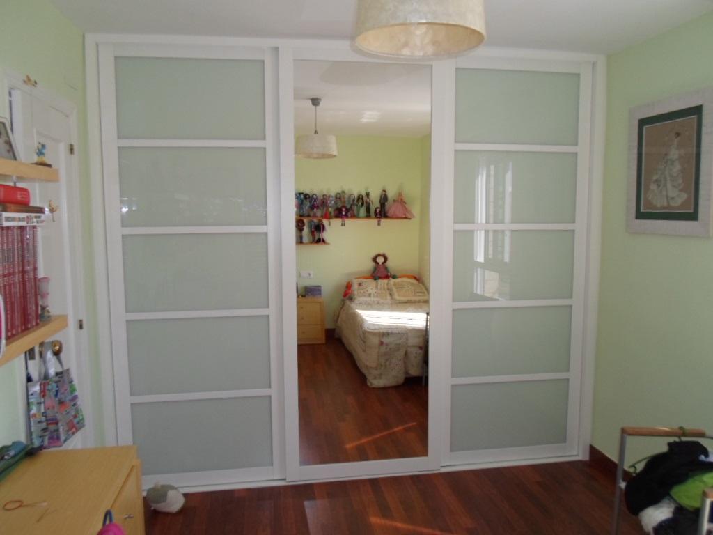 Mobiliario de viviendas ebanister a - Mobiliario para libreria ...