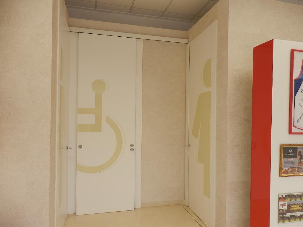 Puertas y tarima ebanister a - Puertas correderas abatibles ...
